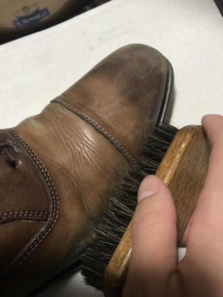 革靴 ミニホースブラシ 使用状況